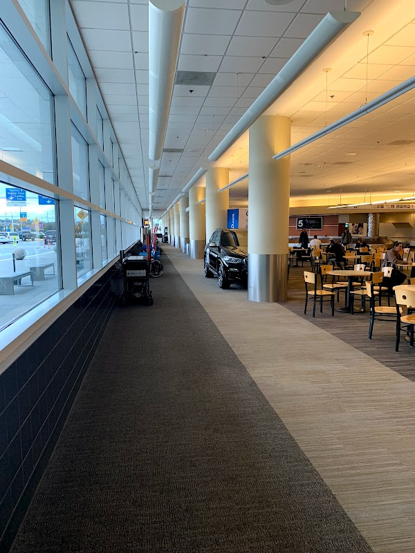 Photo of Bill and Hillary Clinton National Airport